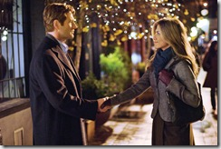Dr. Burke Ryan (AARON ECKHART) meets Eloise Chandler (JENNIFER ANISTON) in the romantic drama ?Love Happens?.  When a self-help author arrives in Seattle to teach a sold-out seminar, he unexpectedly meets the one person who might finally be able to help him help himself.